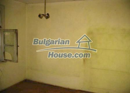 8595:13 - Two storey bulgarian house for sale