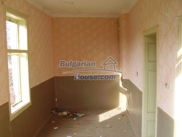 8703:3 - Cheap bulgarian house for sale near dam lake in Vratsa region