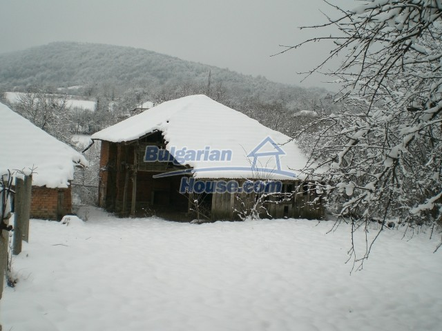 8724:10 - Bulgarian house for sale in a Mountain area
