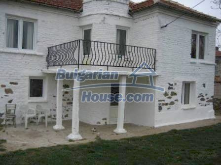 8799:1 - Lovely Bulgarian house for sale with huge yard