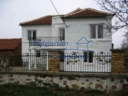 8799:4 - Lovely Bulgarian house for sale with huge yard
