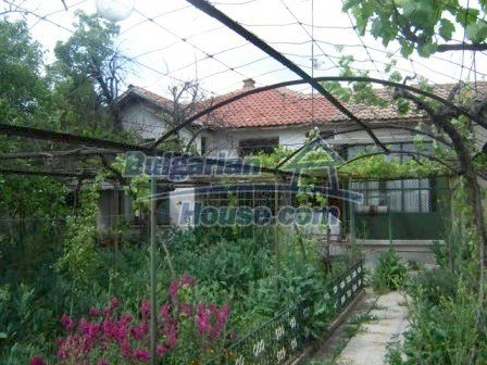 8808:2 - A lovely Bulgarian house with a spacious yard
