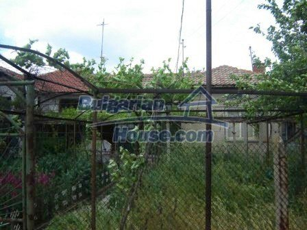 8808:4 - A lovely Bulgarian house with a spacious yard