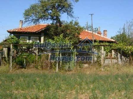 8817:1 - Cheap Bulgarian house in a charming village in Stara zagora regi
