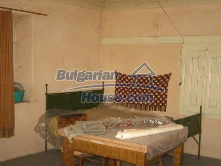 8817:4 - Cheap Bulgarian house in a charming village in Stara zagora regi