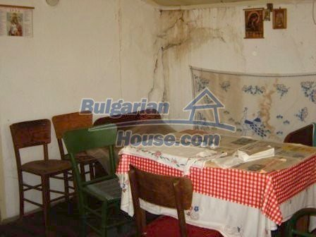 8817:5 - Cheap Bulgarian house in a charming village in Stara zagora regi