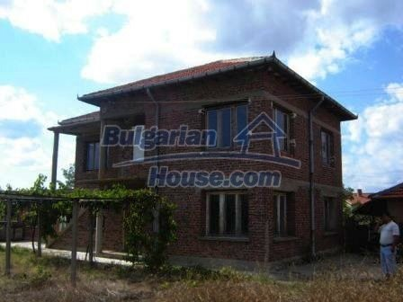 8832:2 - Lovely bulgarian house in Nova Zagora region with spacious garde