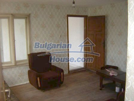 8832:5 - Lovely bulgarian house in Nova Zagora region with spacious garde