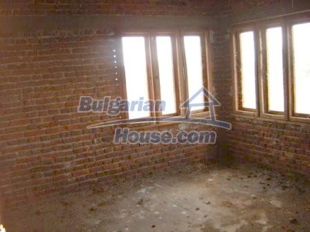 8832:11 - Lovely bulgarian house in Nova Zagora region with spacious garde