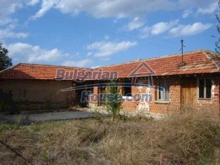8832:12 - Lovely bulgarian house in Nova Zagora region with spacious garde
