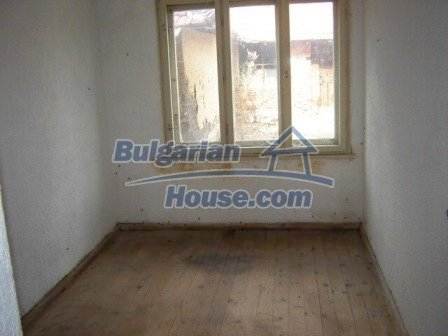 8832:7 - Lovely bulgarian house in Nova Zagora region with spacious garde