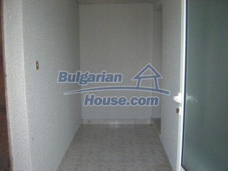 8832:9 - Lovely bulgarian house in Nova Zagora region with spacious garde