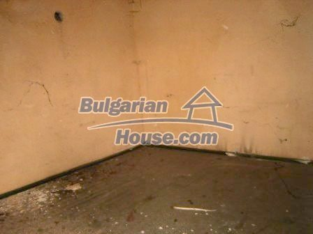 8838:3 - Old house in Bulgaria that need renovation