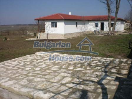 8883:6 - Bulgarian house near the sea with huge garden