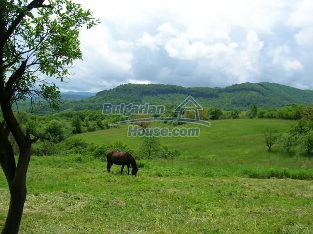 8904:3 - Very cheap Bulgarian house located in Veliko Tyrnovo region