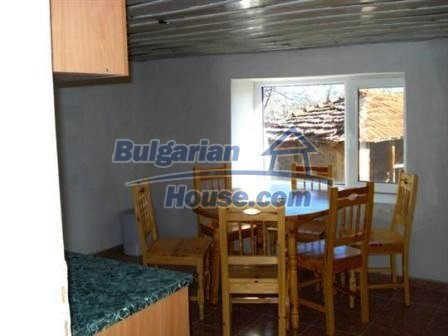 5609:8 - House presented in a good condition and bulgarian property in Ya