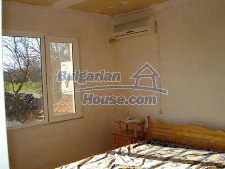 5609:13 - House presented in a good condition and bulgarian property in Ya