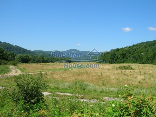 8979:4 - Big plot of bulgarian land for sale