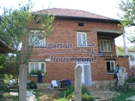 8997:1 - A two storey brick built bulgarian house in a village close to B