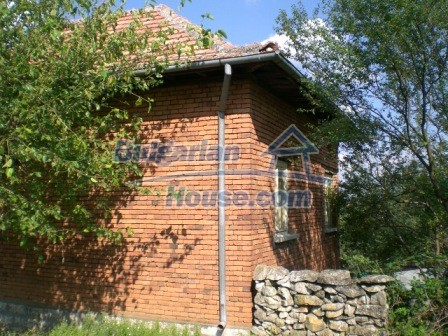 8997:4 - A two storey brick built bulgarian house in a village close to B