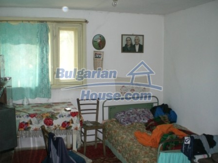 8997:5 - A two storey brick built bulgarian house in a village close to B