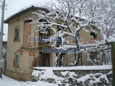 9000:1 - Cheap Bulgarian house located in a village just 12km away from Y