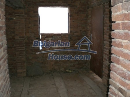 9000:4 - Cheap Bulgarian house located in a village just 12km away from Y