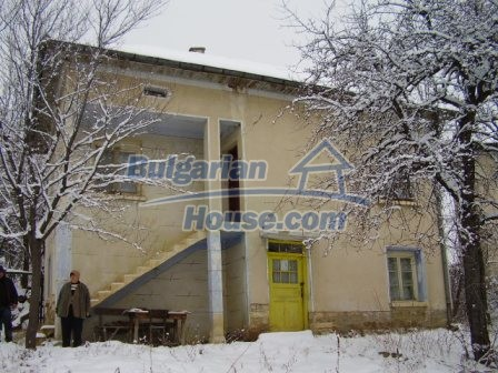 9012:1 - Bulgarian house in rural countryside for sale