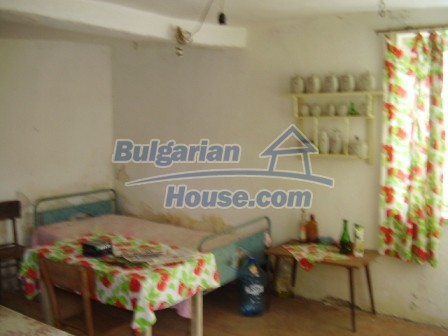 9012:2 - Bulgarian house in rural countryside for sale