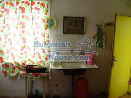 9012:3 - Bulgarian house in rural countryside for sale