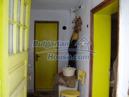 9012:7 - Bulgarian house in rural countryside for sale