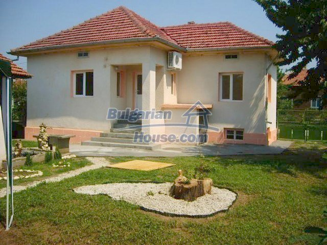 9030:1 - Lovely bulgarian country house near danube river
