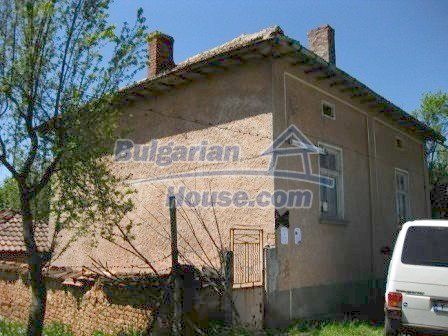 9033:3 - Rural Bulgarian house with spacious garden of 2800sq.m