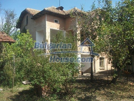 9033:5 - Rural Bulgarian house with spacious garden of 2800sq.m