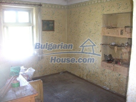 9033:10 - Rural Bulgarian house with spacious garden of 2800sq.m