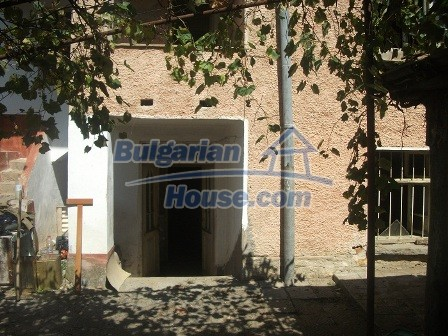 9033:16 - Rural Bulgarian house with spacious garden of 2800sq.m