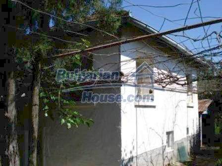 9129:2 - Bulgarian house for sale with huge garden