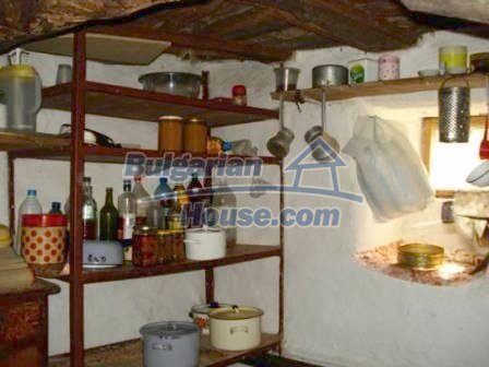 9129:13 - Bulgarian house for sale with huge garden