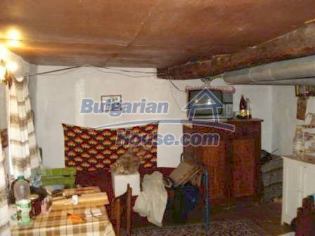 9129:6 - Bulgarian house for sale with huge garden