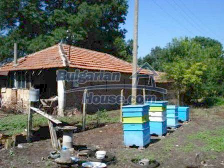 9129:17 - Bulgarian house for sale with huge garden