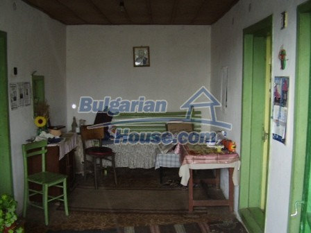 9210:13 - BARGAIN  House for sale in Bulgaria, near Targovishte