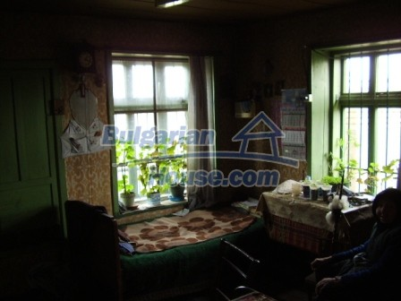 9210:18 - BARGAIN  House for sale in Bulgaria, near Targovishte