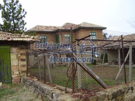 9210:10 - BARGAIN  House for sale in Bulgaria, near Targovishte