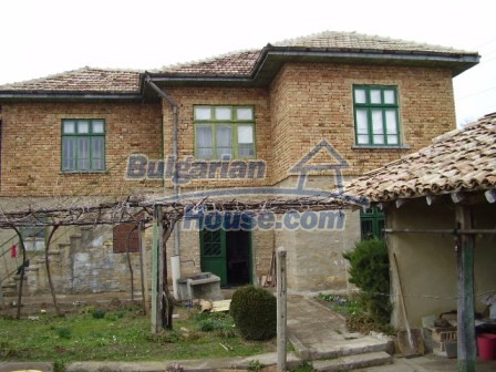 9210:11 - BARGAIN  House for sale in Bulgaria, near Targovishte