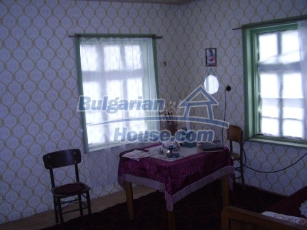 9210:25 - BARGAIN  House for sale in Bulgaria, near Targovishte