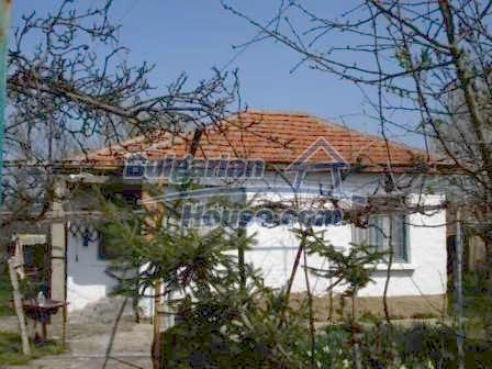 9267:1 - Cheap Bulgarian house for sale only 10km away from Yambol