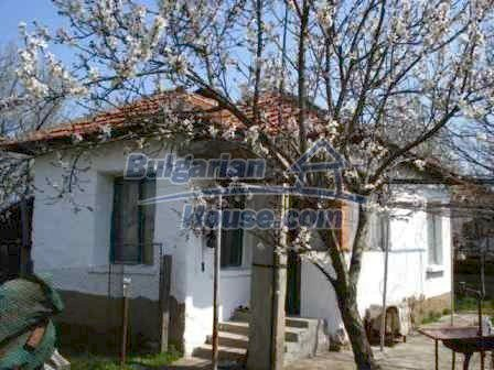 9267:15 - Cheap Bulgarian house for sale only 10km away from Yambol