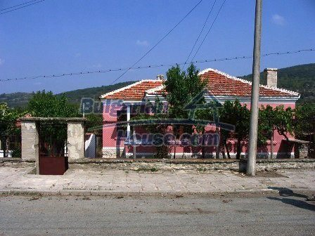 9282:12 - Looking for partly renovated proeprty in Bulgaria- this one is o