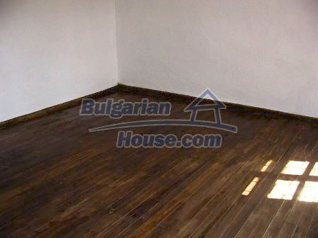 9282:9 - Looking for partly renovated proeprty in Bulgaria- this one is o