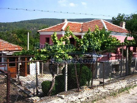 9282:14 - Looking for partly renovated proeprty in Bulgaria- this one is o
